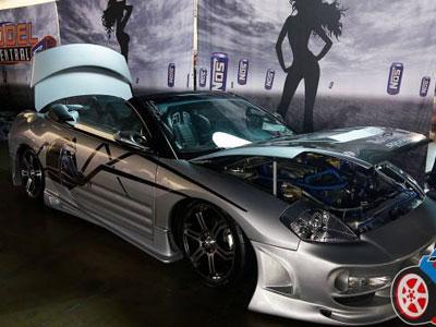 Выставка тюнингованных машин в Филадельфии (93 фото)