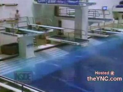 Об трамплин в бассейне. Жесть
