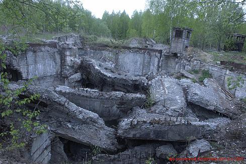 Пусковой комплекс и его инфроструктура были взорваны очень давно (70е года) , серди бетонных плит уже.