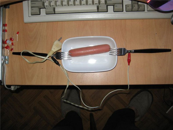 Жарим сосиски электричеством в 220В