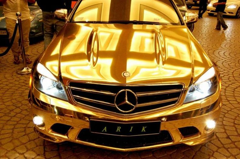 Золотой тюнинг мерседеса в Дубаи (11 фото)