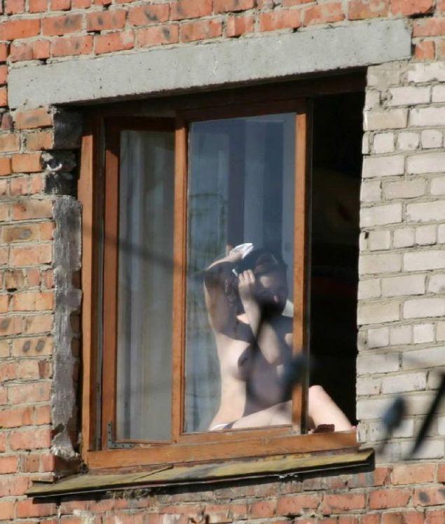 golie-devushki-s-adresom