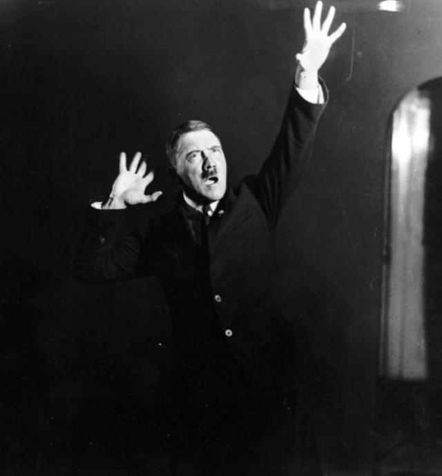 Необычные фотосессии по приказу Адольфа Гитлера / Общий / SpyNet ...