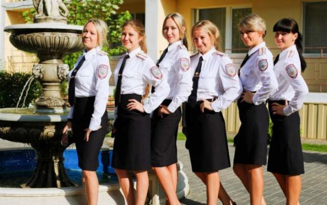 Фото девушки полиции россии