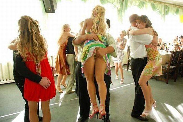 golaya-devushka-na-svadbe-foto