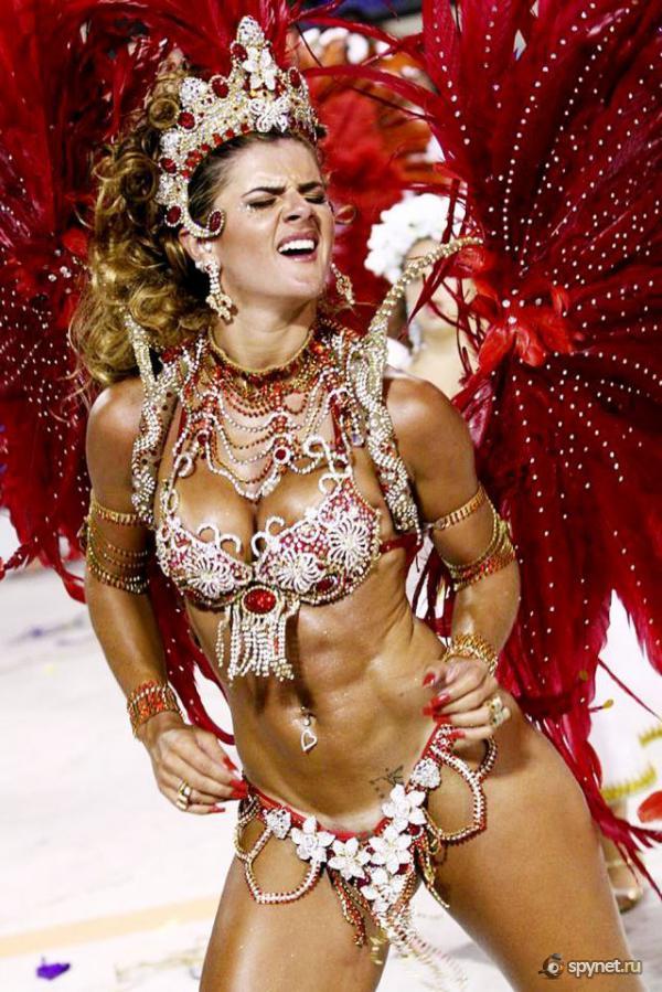 Фото голых жоп с бразильских карнавалов — pic 10