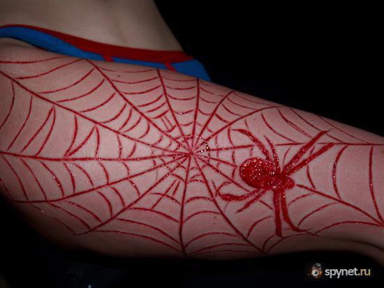 Ударим шрамированием по татуировкам (23 фото)
