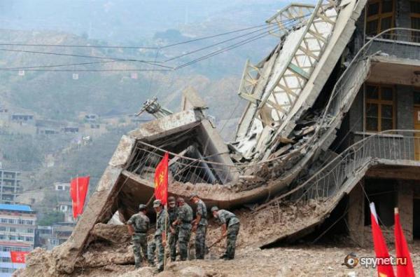 Оползни в Китае (24 фото)