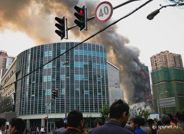 Пожар в шанхайском жилом доме (32 фото)