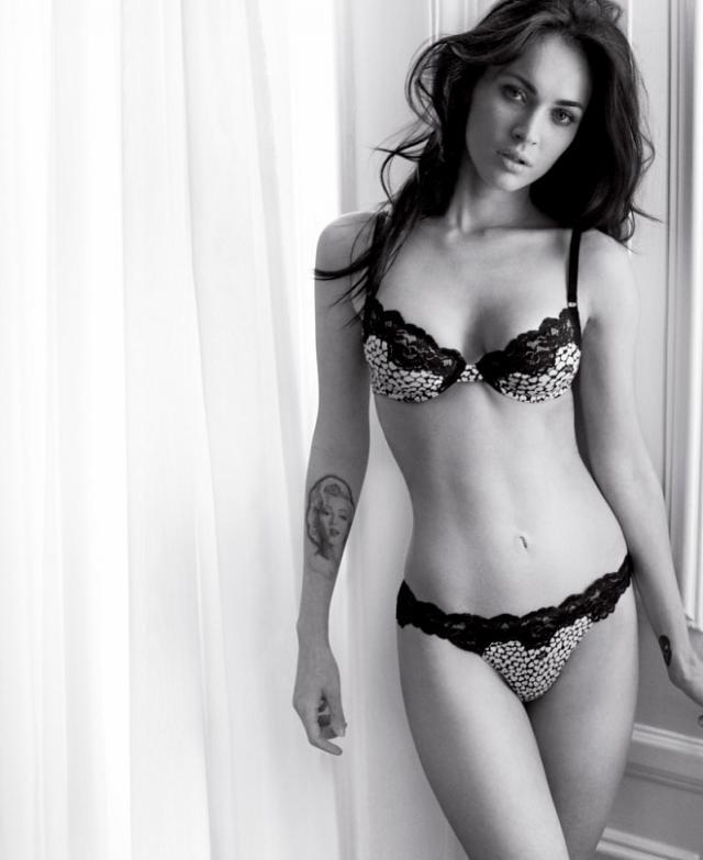 Красивые чёрно-белая подборка красоты женского тела (56 фото)