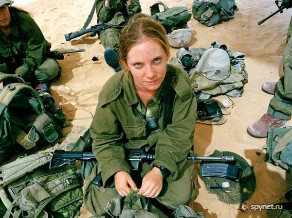 Почему в израиле служат девушки