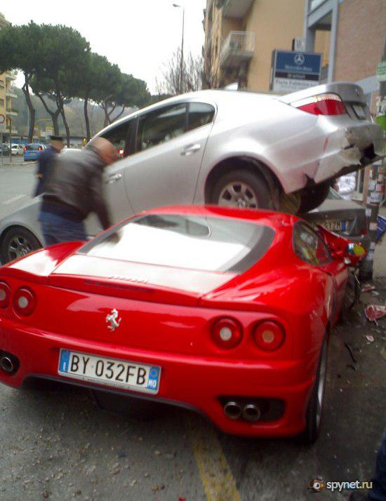 Парковка для Феррари (3 фото)