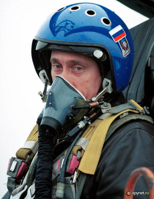 Владимир Путин в неформальной обстановке