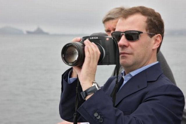 Фототехника Президента Медведева и ее стоимость