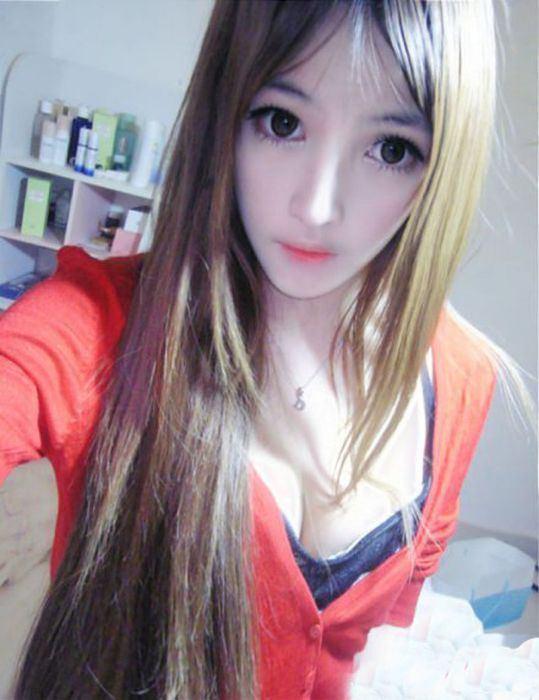 Девушка кукла из японии