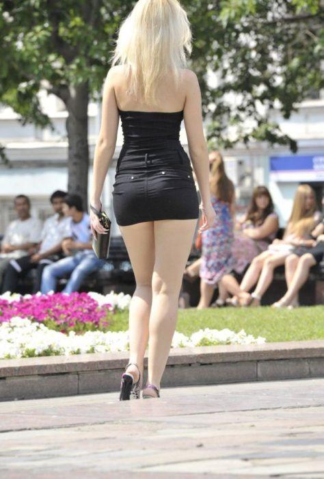Мини юбки на улице фото